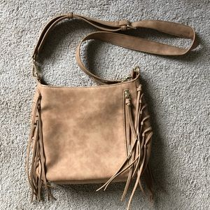 Crossbody bag with fringe detail